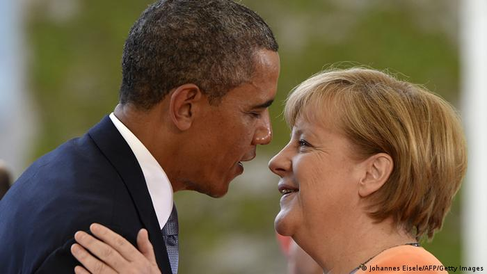 Barack Obama umarmt Angela Merkel (Foto: AFP/Getty Images)