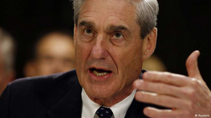 FBI Director Robert Mueller testifies before the U.S. Senate Judiciary Committee at an oversight hearing about the Federal Bureau of Investigation on Capitol Hill in Washington, June 19, 2013. REUTERS/Larry Downing (UNITED STATES - Tags: POLITICS CRIME LAW) / Eingestellt von wa