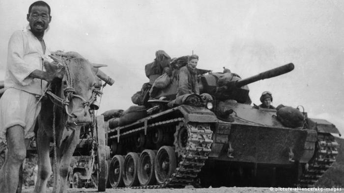 Korea Krieg 1950 US Panzer und Bauer