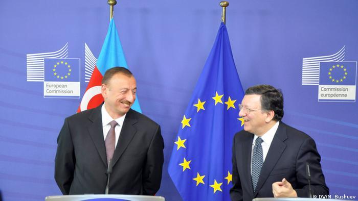 Jose Manuel Barroso, Präsident der EU-Kommission und Ilham Alijew, Präsident Aserbaidschans bei der gemeinsamen PK am 21.Juni in Brüssel.