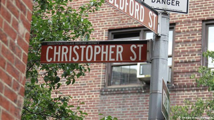 Bildergalerie Christopher Street Day 2013 Geschichte Gay Pride Aufstand im Stonewall Inn (imago stock&people)