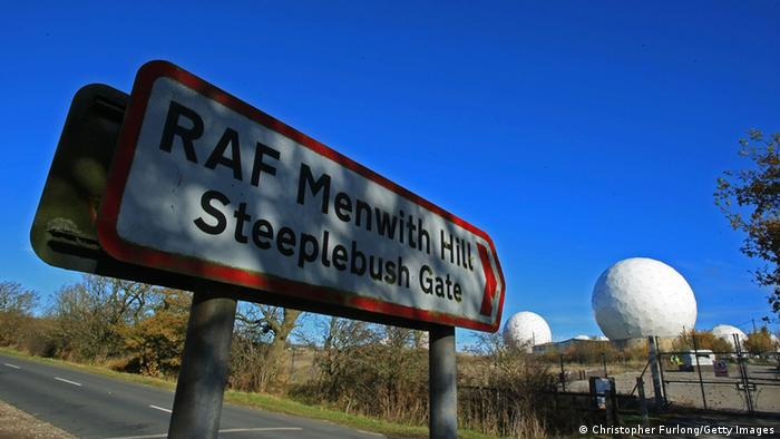 Radares en Menwith Hill, Yorkshire, monitorean intercambio de informaciones para la GCHQ.