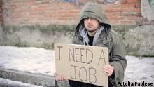 portrait of an unemployed man looking for a job 'Fotolia: 39032624