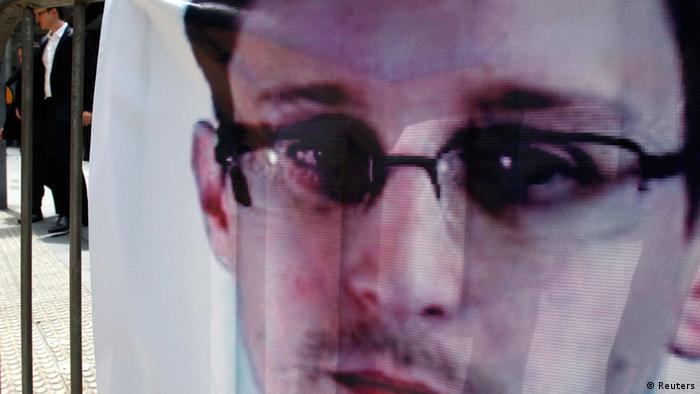 US-Enthüller Snowden, Plakat, Foto: REUTERS