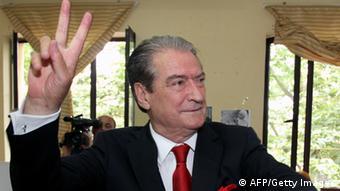 O Σαλί Μπερίσα διετέλεσε τρεις φορές πρωθυπουργός της Αλβανίας