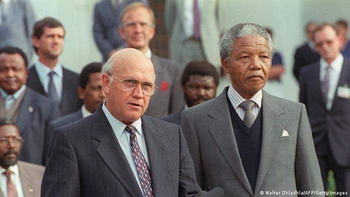 Фредерик Виллем де Клерк и Нельсон Мандела, 1990 год
