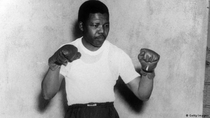 Нельсон Мандела в боксерской форме, 1950 год