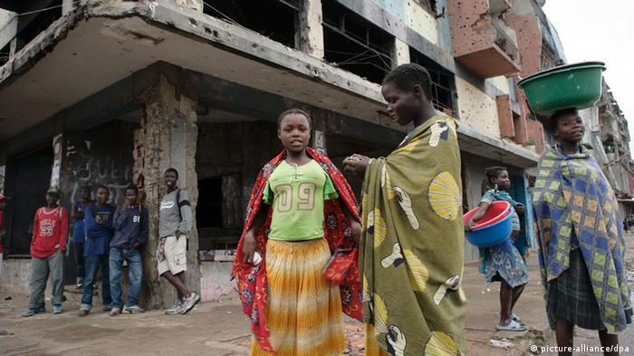 Jovens angolanos que vivem nas ruas
