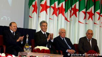 El presidente Buteflika en una ceremonia oficial en Argelia.