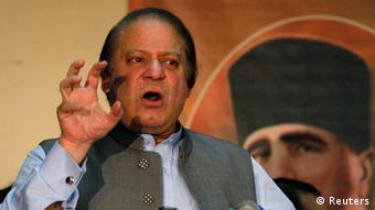 Prime Minister Nawaz Sharif speaks to his party workers during a seminar in Lahore, to mark the 14th anniversary of Pakistan's first successful nuclear test in 1999, May 28, 2013 (Photo: REUTERS/Mohsin Raza)