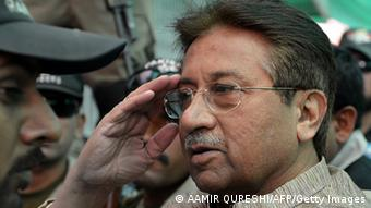 Former Pakistani president Pervez Musharraf (C) (Photo: AAMIR QURESHI/AFP/Getty Images)