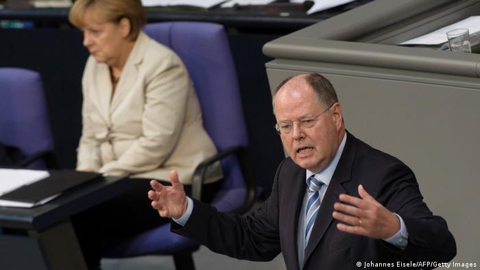 Bundestag Rede Angela Merkel Peer Steinbrück 27.6.2013 (Johannes Eisele/AFP/Getty Images)