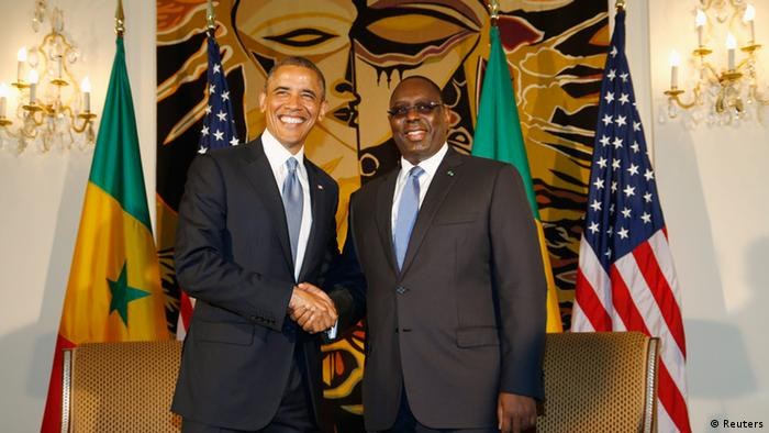 U.S. President Barack Obama meets with Senegal's President Macky Sall (R) at the Presidential Palace in Dakar, June 27, 2013. REUTERS/Jason Reed (SENEGAL - Tags: POLITICS)