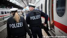 Symbolbild Zug Bundespolizei Kontrolle