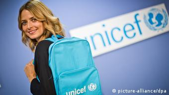 UNICEF ambassador and top model Eva Padberg attended UNICEF'S 60th anniversary event in Berlin. Foto: Michael Kappeler/dpa pixel