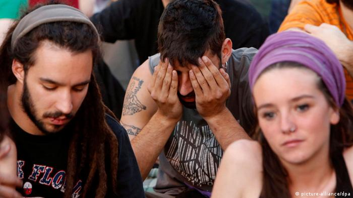 Young jobless Spaniards during a rally in Madrid +++(c) dpa - Bildfunk+++
