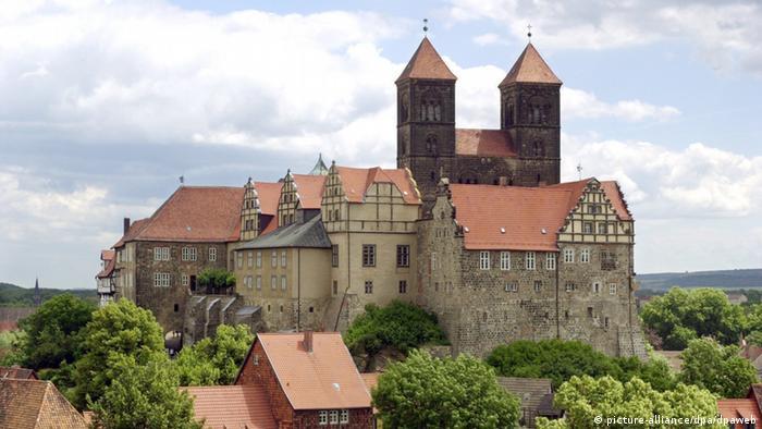 Weltkulturerbe auf Schlossberg Quedlinburg bedroht (picture-alliance/dpa/dpaweb)