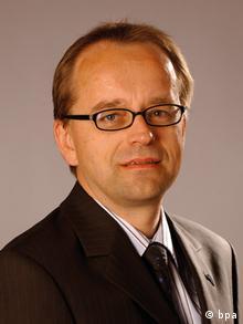 Bernard Tews