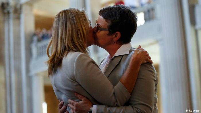 Sandy Stier (L) and Kris Perry, plaintiffs of the lawsuit against Proposition 8, kiss after being married by California Attorney General Kamala Harris at City Hall in San Francisco, June 28 (Photo: REUTERS/ Stephen Lam)