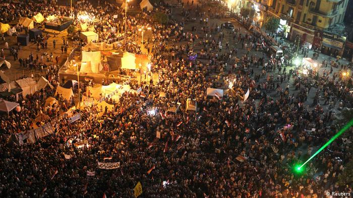 Demonstranten auf dem Tahrir-Platz in Kairo (Foto: Reuters)