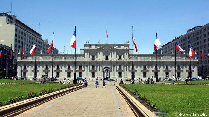 Chile: protestan estudiantes en el Palacio de La Moneda