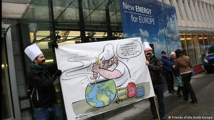 Friends of the Earth Europe demonstrates at an EU Energy Summit in Brussels. Copyright: Friends of the Earth Europe