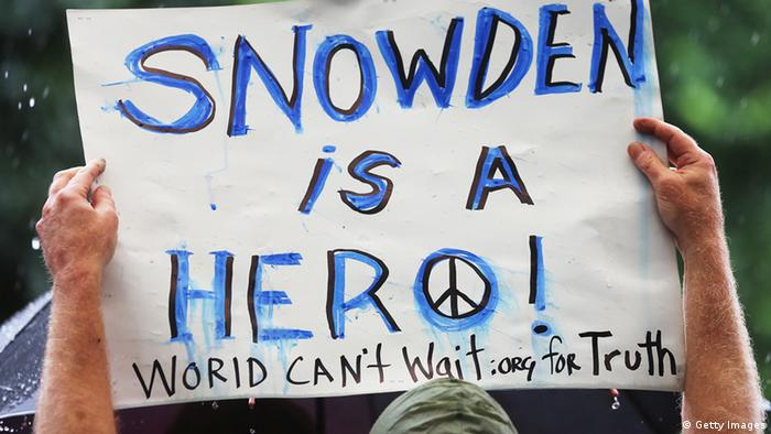 Plakat Snowden is a hero (Foto: Getty Images)