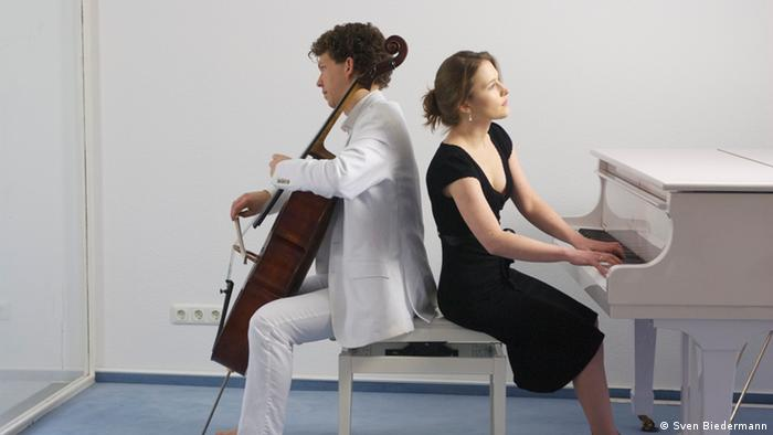 Cellist Christoph Blickling and pianist Suzanna Hlinka