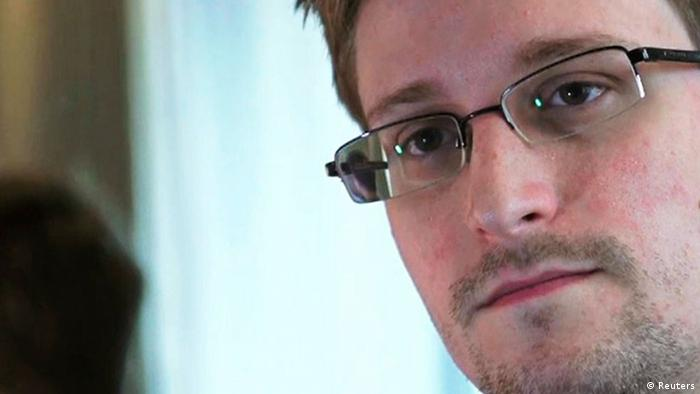 NSA whistleblower Edward Snowden, an analyst with a U.S. defence contractor, is seen in this still image taken from video during an interview by The Guardian in his hotel room in Hong Kong June 6, 2013. (Photo:REUTERS/Glenn Greenwald/Laura Poitras/Courtesy of The Guardian/Handout via Reuters)