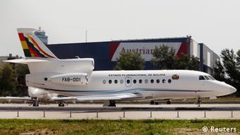 Самолет боливийского президента в аэропорту Вены. Фото 2013 года