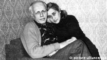 Sowjetunion Physiker und Regimekritiker Andrej Sacharow mit Jelena Bonner in Gorki