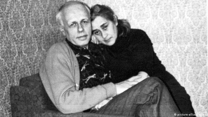 Андрей Дмитриевич Сахаров и Елена Боннер в ссылке в Горьком. 1980 г.