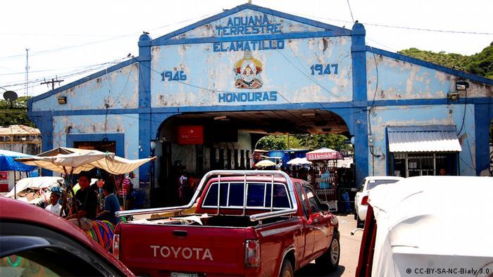 Galerie Grenzkonflikte - Honduras El Salvador (CC-BY-SA-NC-Biały 3.0)