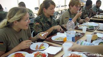 Bundeswehr canteen (c) dpa