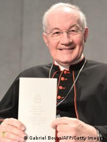 Kardinal Marc Ouellet präsentierte das Lehrschreiben. Foto: AFP/ GABRIEL BOUYS