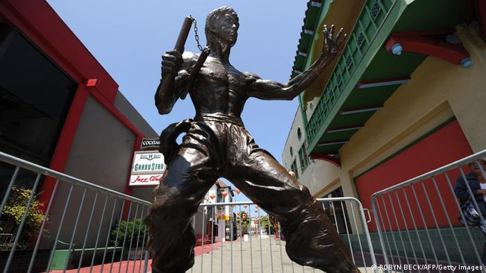 A statute of the late martial arts icon Bruce Lee is seen in Chinatown in downtown Los Angeles June 16, 2013. (Photo: AFP)