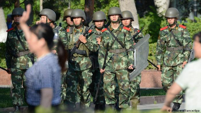 China Xinjiang Urumqi Polizei 05.07.2013