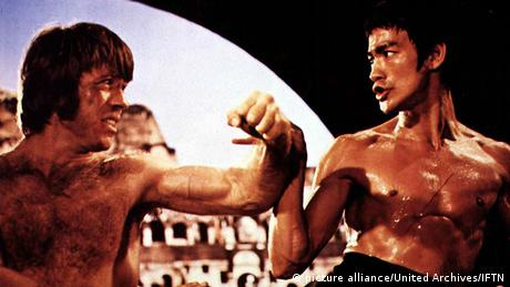 Bruce Lee and chuck Norris in Way of the Dragon. (Photo: picture alliance/United Archives/IFTN)