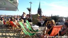 Strandbar in Berlin (Foto: picture-alliance/dpa)