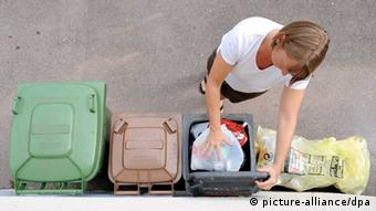 Tα παραφορτωμένα γεύματα σε πολλά εστιατόρια καταλήγουν στα σκουπίδια