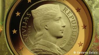 The image of Latvian folk-maid - known as Milda by most Latvians - will be on the obverse of Latvian euro coins (Photo:Ģederts Ģelzis DW Correspondent)