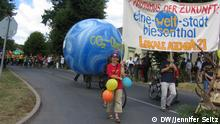 Protests to spur more local participation in protecting the climate (Foto: DW/Jennifer Seitz)