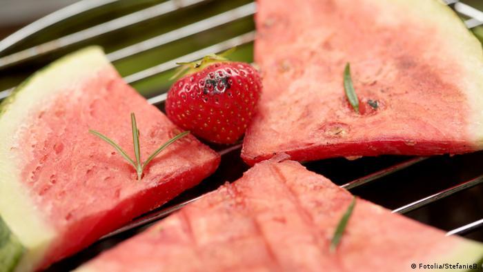 Melone auf Grill grillen Sommer