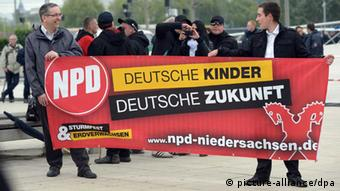 Far-right demo, Germany. Photo: Peter Steffen/dpa +++(c) dpa - Bildfunk+++