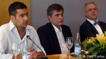 Pedro Guerreiro, director do Jornal de Negócios, e Nicolau Santos, director-adjunto do semanário Expresso, apresentaram o livro de Celso Filipe