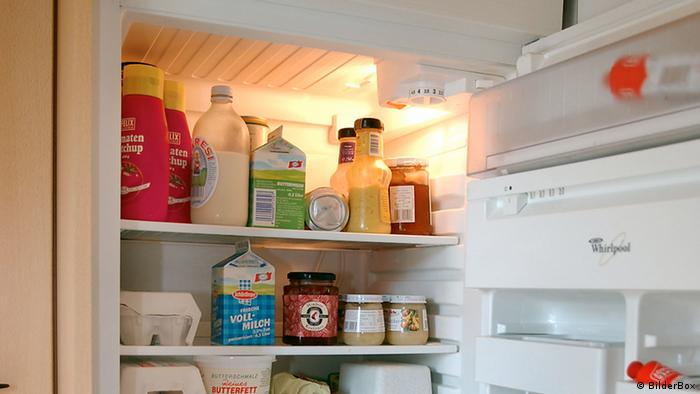 Open refrigerator with food in it (Photo: Erwin Wodicka)