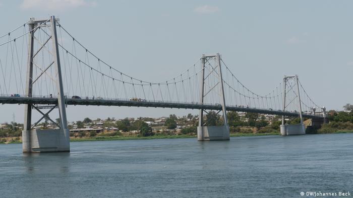 Sambesi Brücke in Tete