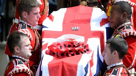 Lee Rigby Beerdigung Bury 11.07.2013 (Reuters)