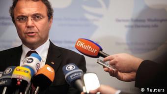 Bundesinnenminister Hans-Peter Friedrich (CSU) Portrait; Foto: REUTERS/Jonathan Ernst (UNITED STATES - Tags: POLITICS LAW)