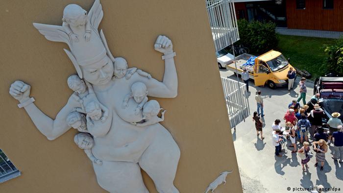 A photo of Peter Lenk's Kampf um Europa sculpture. (Photo via Patrick Seeger/dpa)